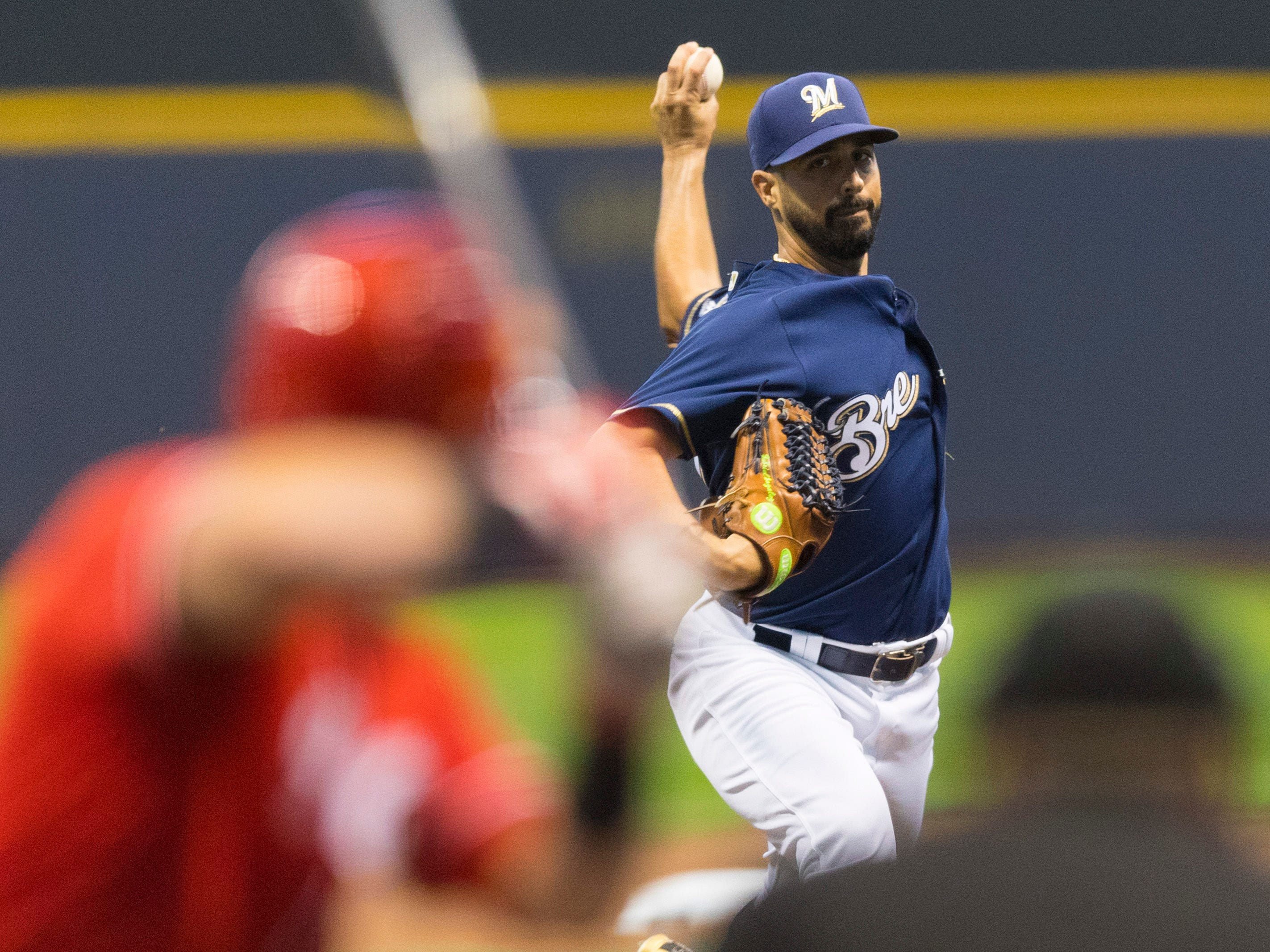 Gio Gonzalez gives the Brewers six shutout innings against the Reds on Wednesday night, allowing just two hits and two walks to go along with five strikeouts.