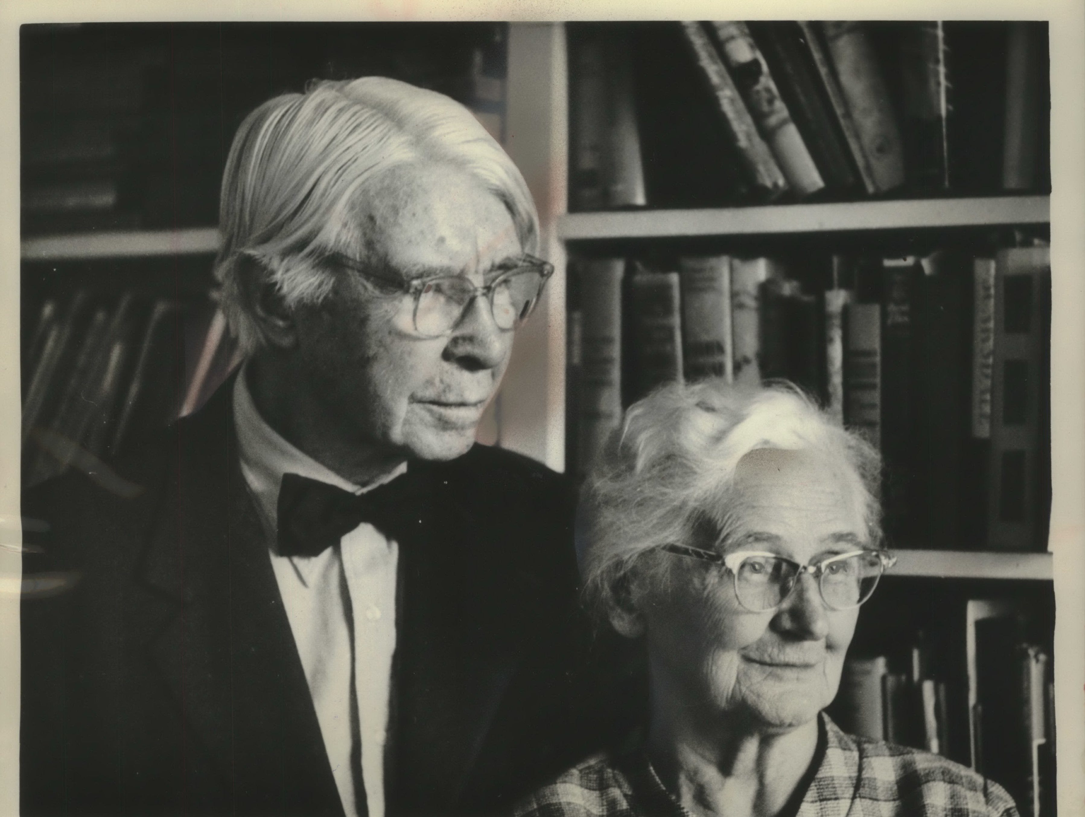 "1963: Poet Sandburg is sentimental about Milwaukee: ""I met a gal here once who really smote me, hair black as midnight,"" he once said. Sandburg and his wife, Lilian, were married in 1908 and have three daughters."
