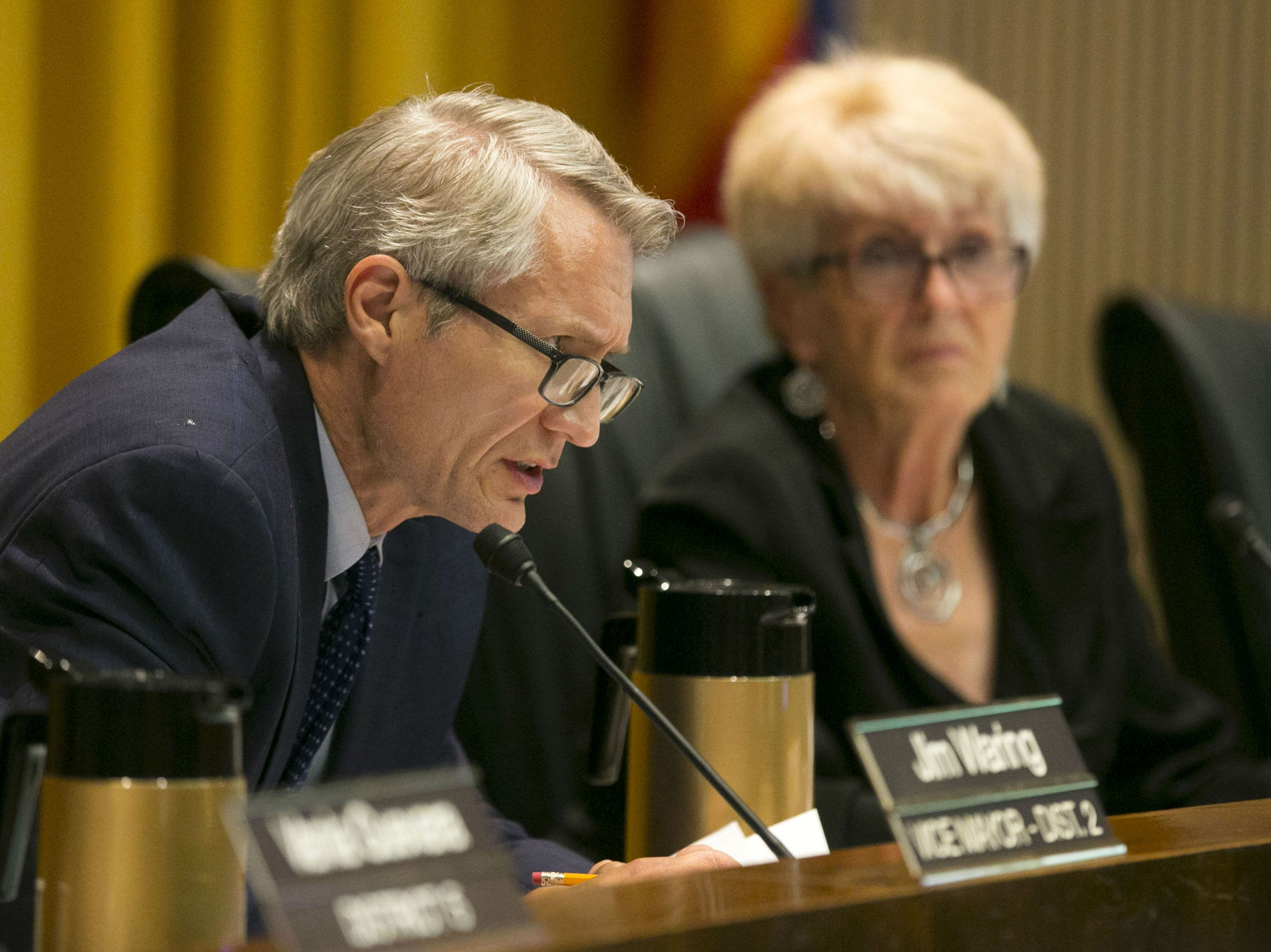 Phoenix Vice Mayor Jim Waring and Phoenix Mayor Thelda Williams during a city council meeting on Sept. 19, 2018.