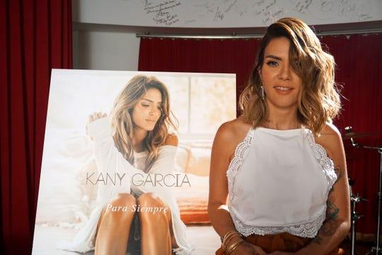 La cantautora puertorriqueña Kany García posa durante una entrevista con Efe este miércoles, 7 de marzo de 2018, en los estudios de Sony Music en Miami, Florida.