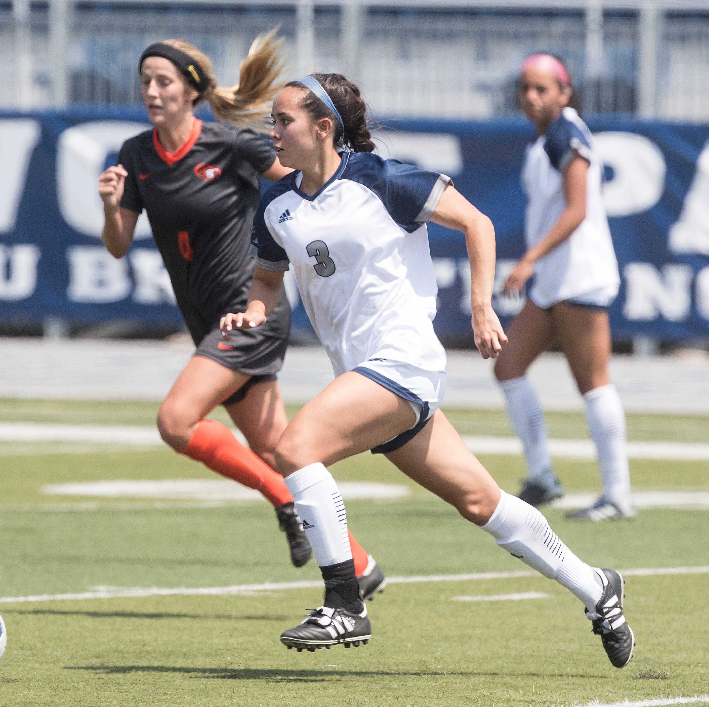 Fall ball: Wolf Pack volleyball, golf, runners off to hot starts