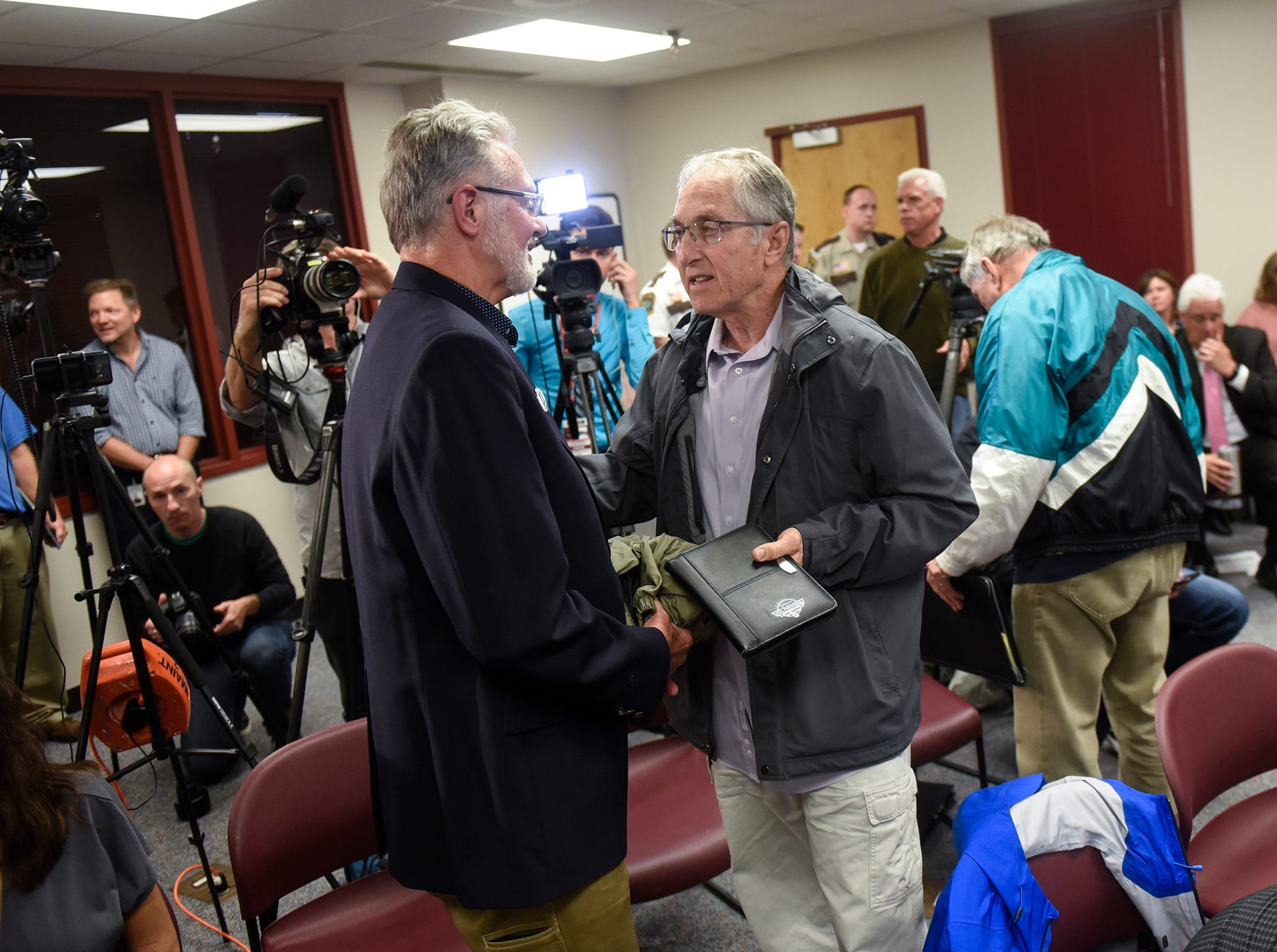 Former FBI investigator Al Garber talks with Jerry Wetterling following a press conference on the release of documents in the Jacob Wetterling case Thursday, Sept. 20, in St. Cloud.