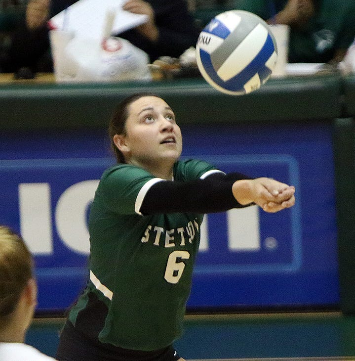Eastlake grad Chelcie Spence represents El Paso volleyball at Division 1 level