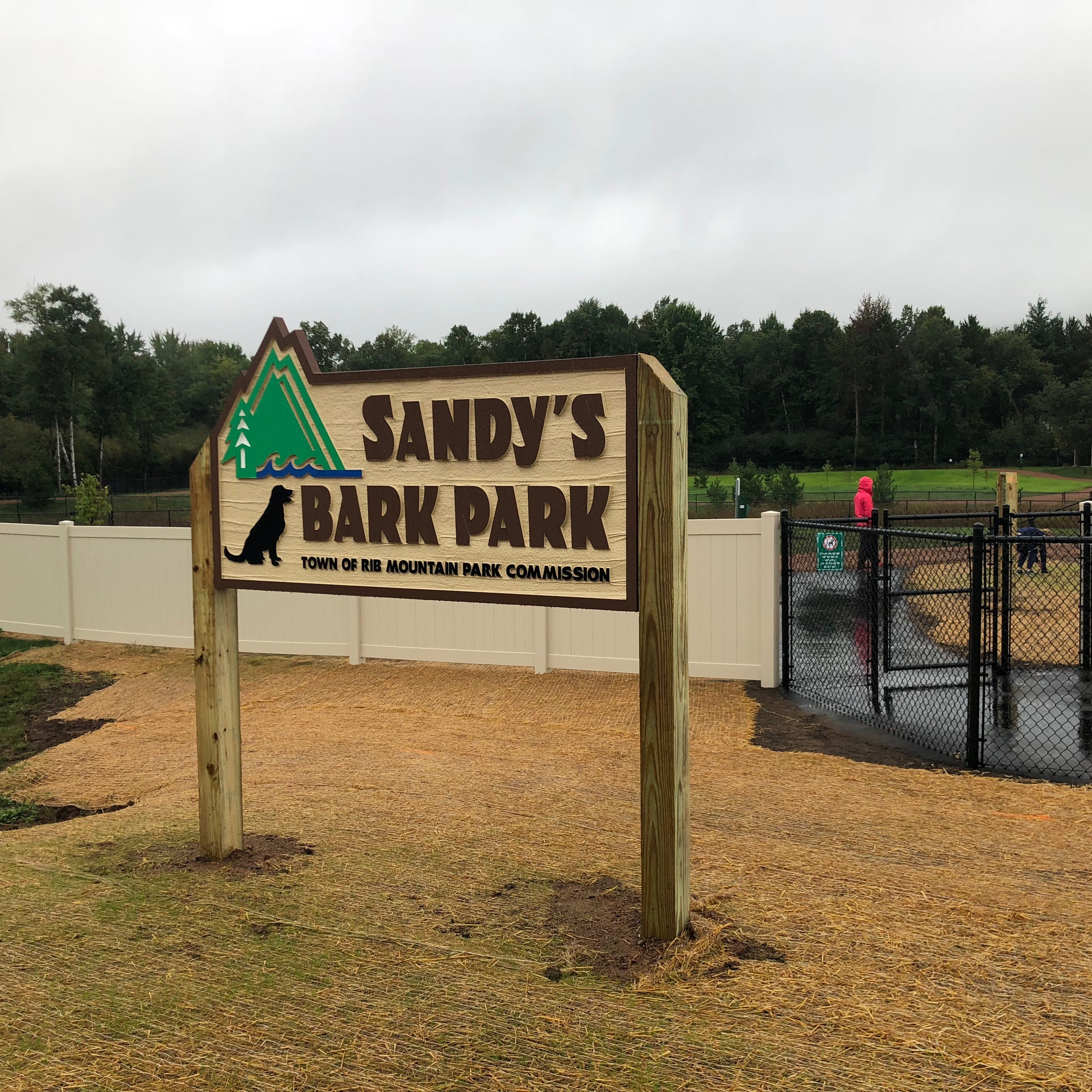 Sandy's Bark Park opens, gives dogs room to run in Rib Mountain