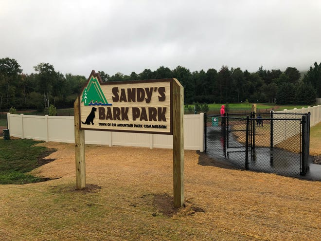 Sandy's Bark Park in Rib Mountain