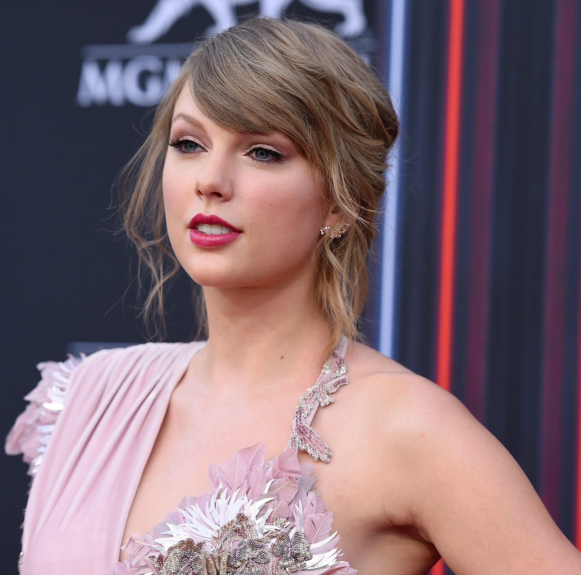 Taylor Swift takes on Trump-backed candidate Marsha Blackburn in Tenn. Senate race UPDATE