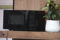 Jefferson Graham previews new products introduced by Amazon, including a talking microwave and clock on Talking Tech.