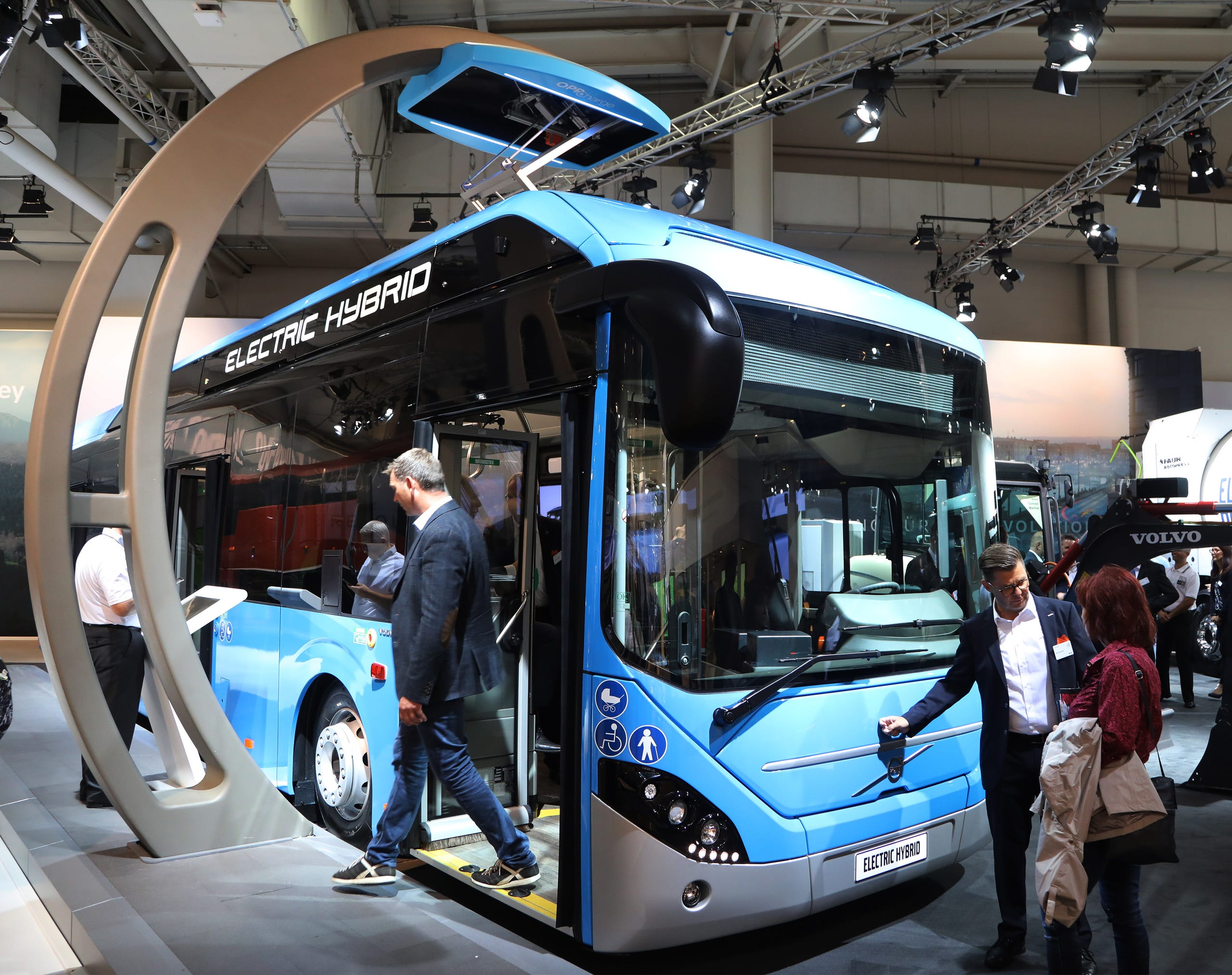 fd9874cffd An electric powered bus at the Volvo booth.