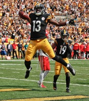 Pittsburgh Steelers wide receiver James Washington (13) makes a touchdown catch against the Kansas City Chiefs in the first half Sunday, Sept. 16, 2018, in Pittsburgh.