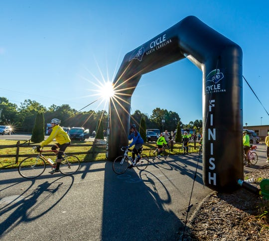 Riders take to the road to kick off the Mountains to Coast Ride, which started in Jefferson last year.