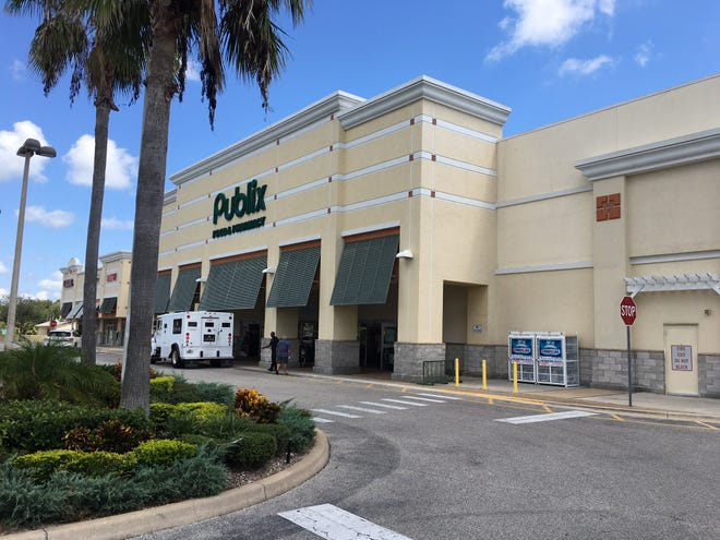 Someone mistakenly called 911 after thinking a man showed up at Publix on North Merritt Island with a rifle -- in reality, it was an umbrella slung on his shoulder.