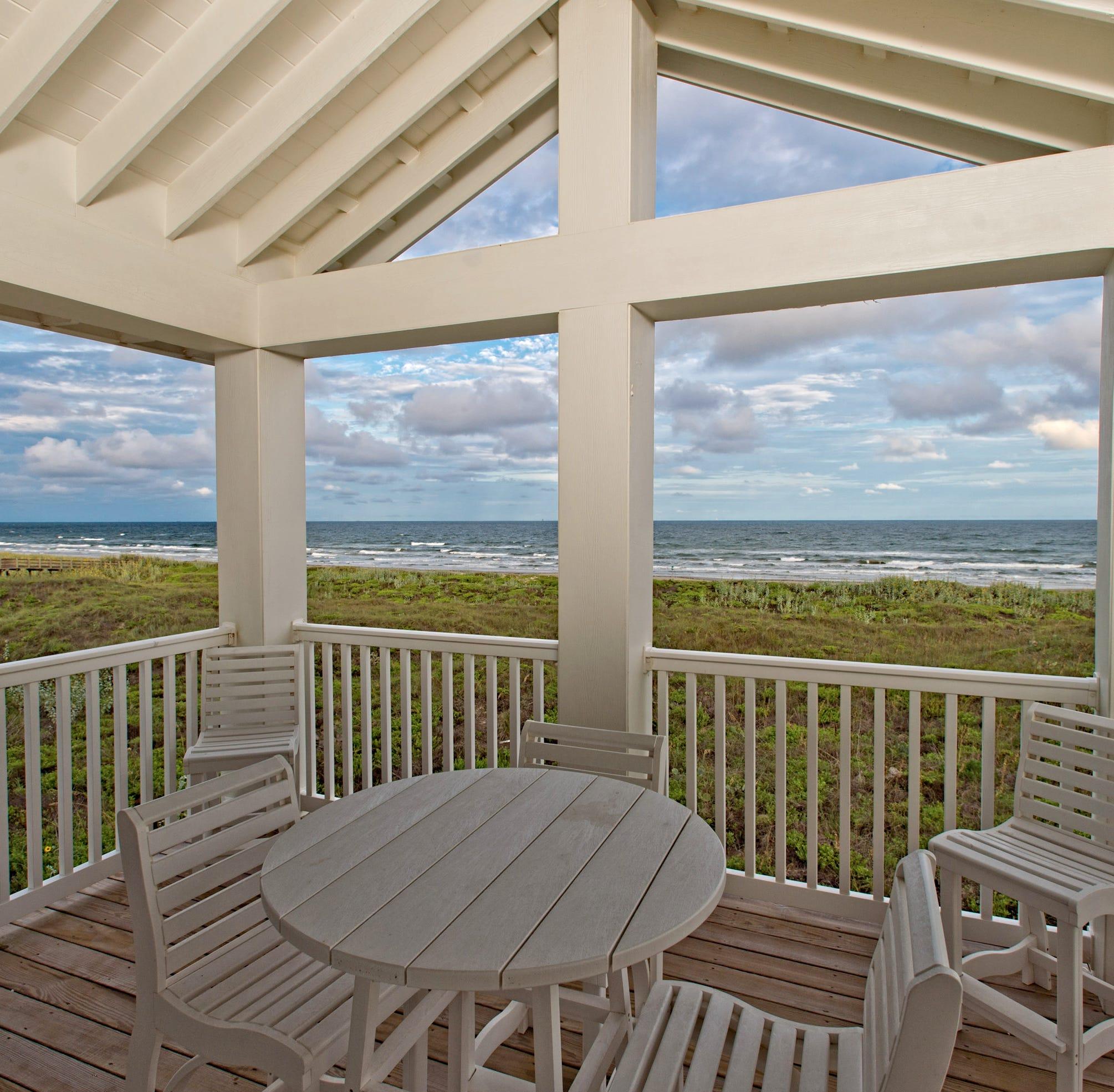 Sunday Homes: Seaside Drive in Cinnamon Shore