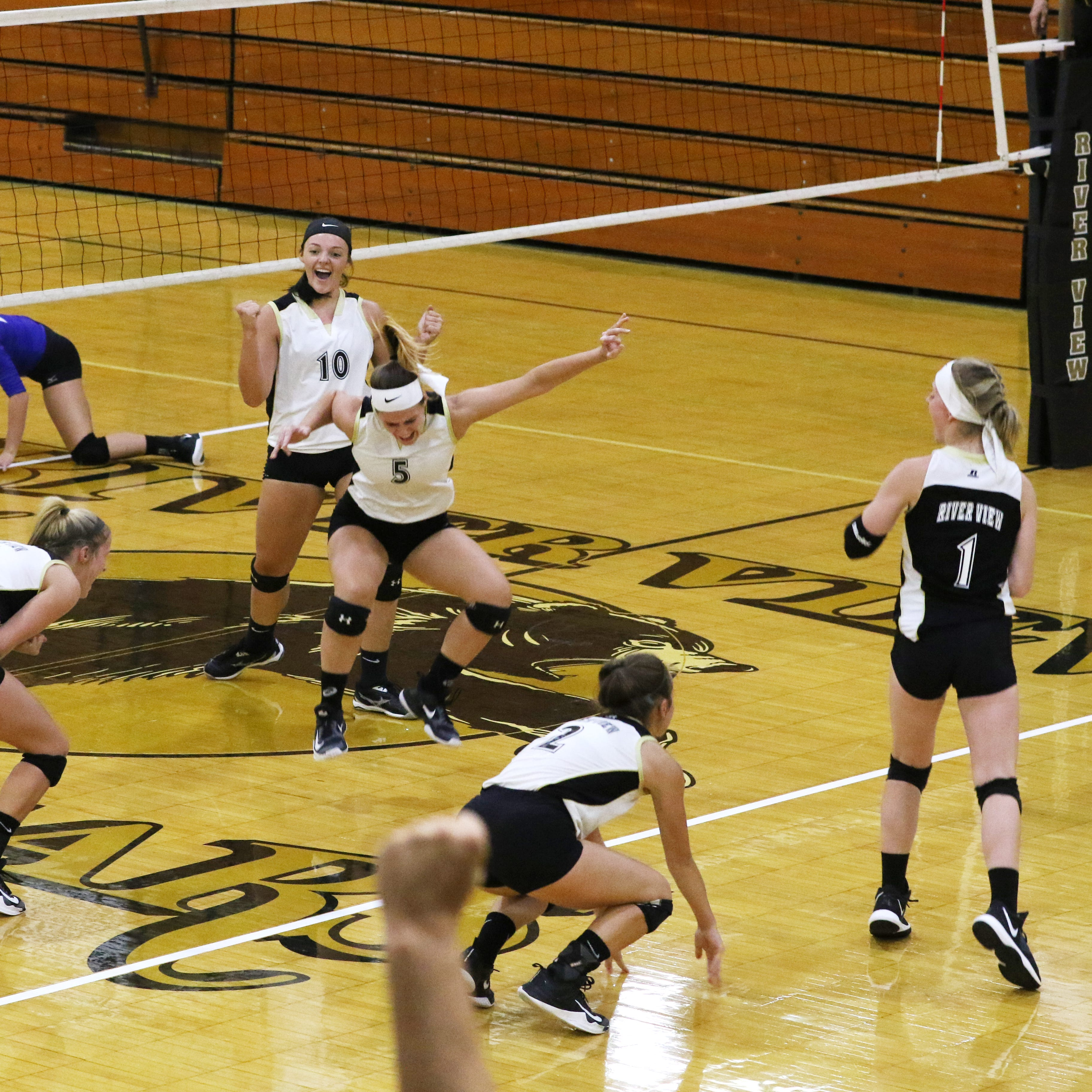 River View celebrates 50 years of volleyball