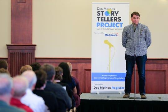 Craig VandeVenter speaks during the Des Moines Storytellers project at Forte Banquet & Conference Center Sept. 20, 2018.