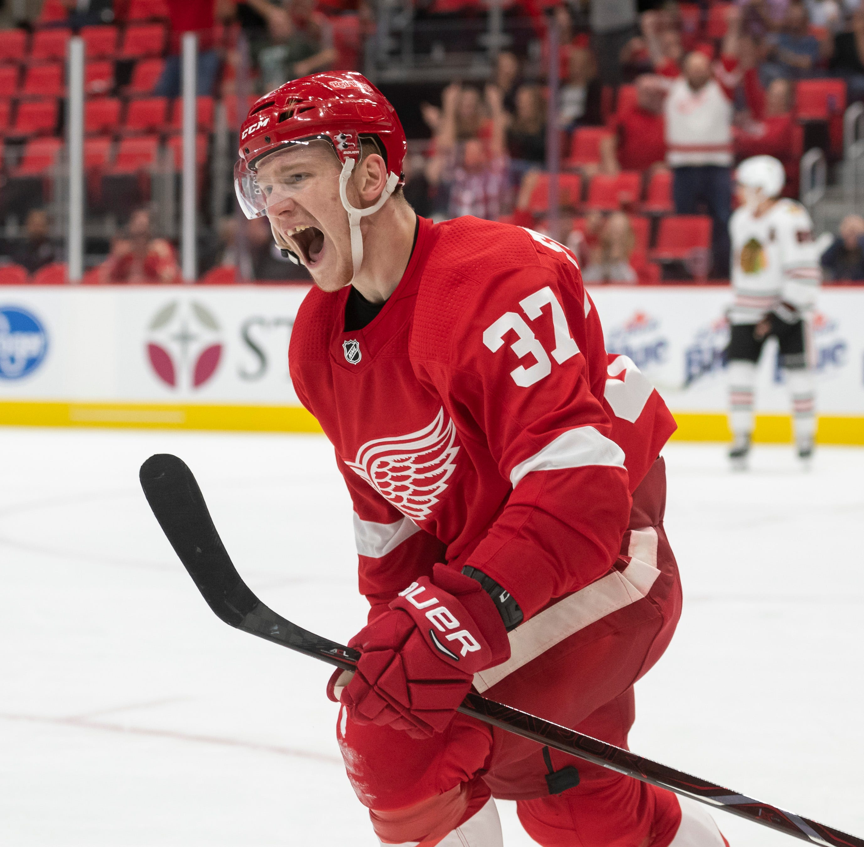 Filip Zadina struggles in debut as Wings clip Blackhawks