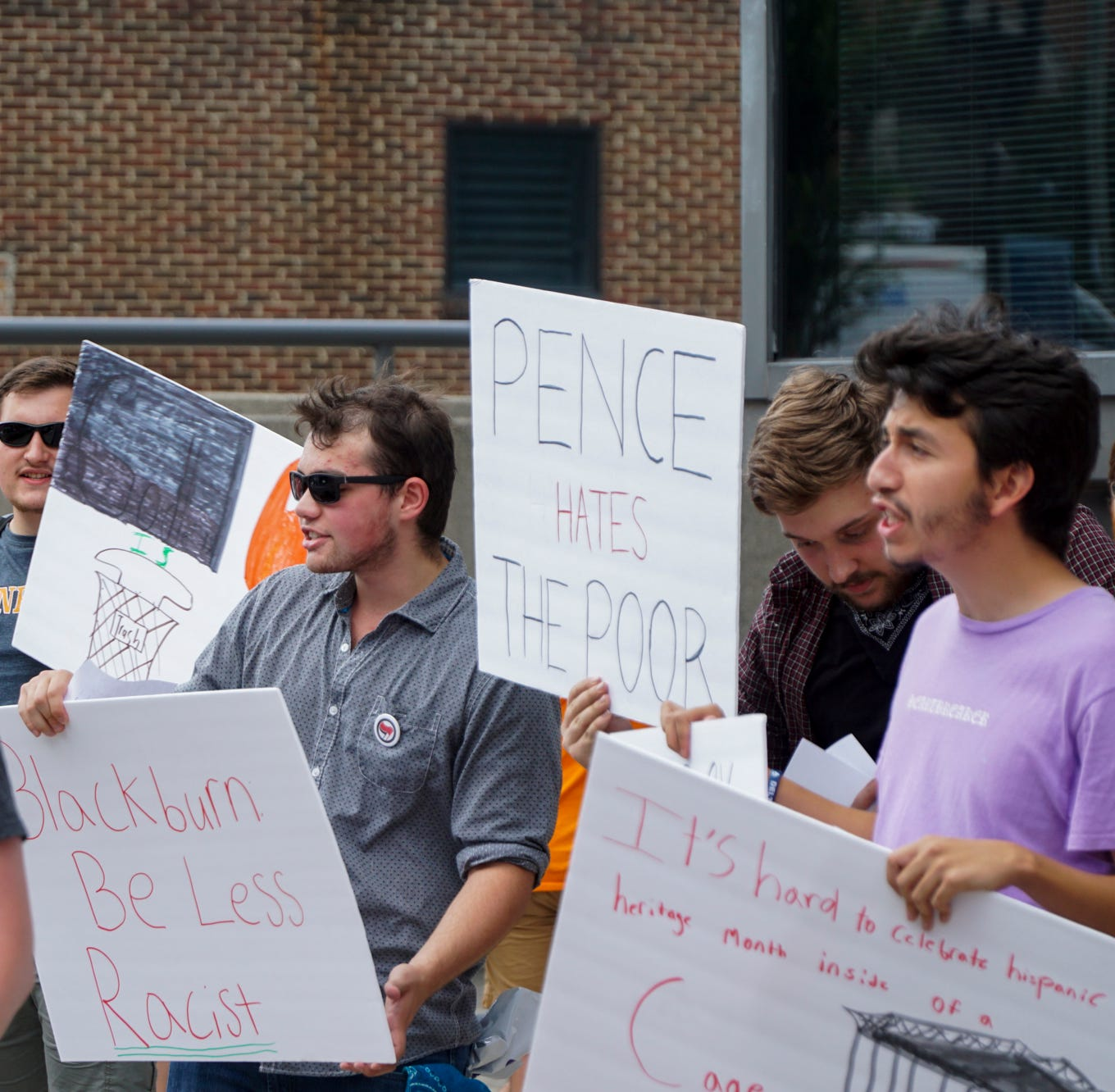 Mike Pence, Marsha Blackburn visit to downtown Knoxville draws protesters