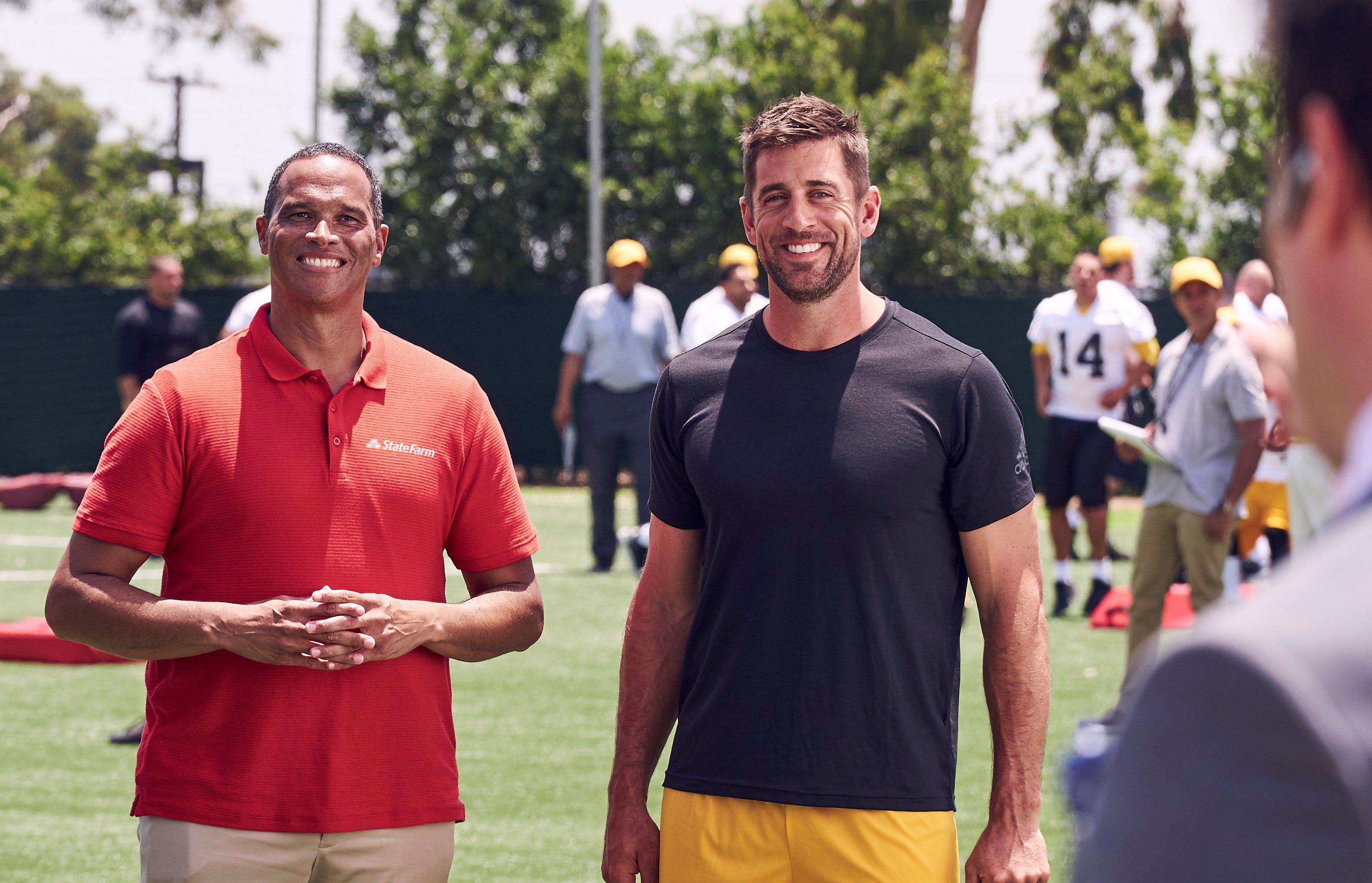 How much money does aaron rodgers make from state farm