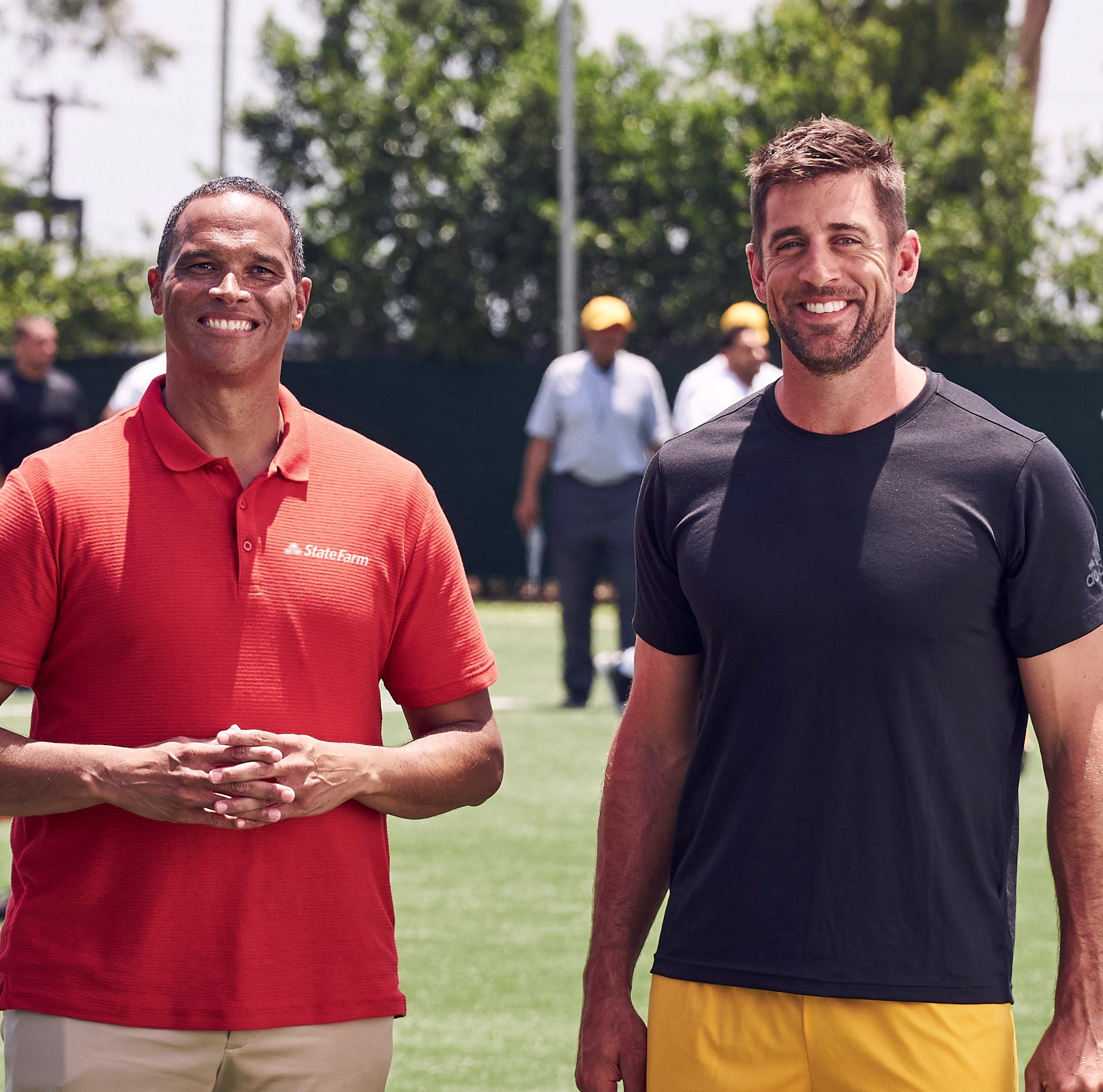 KATC sports alum stars in State Farm ad with Aaron Rodgers