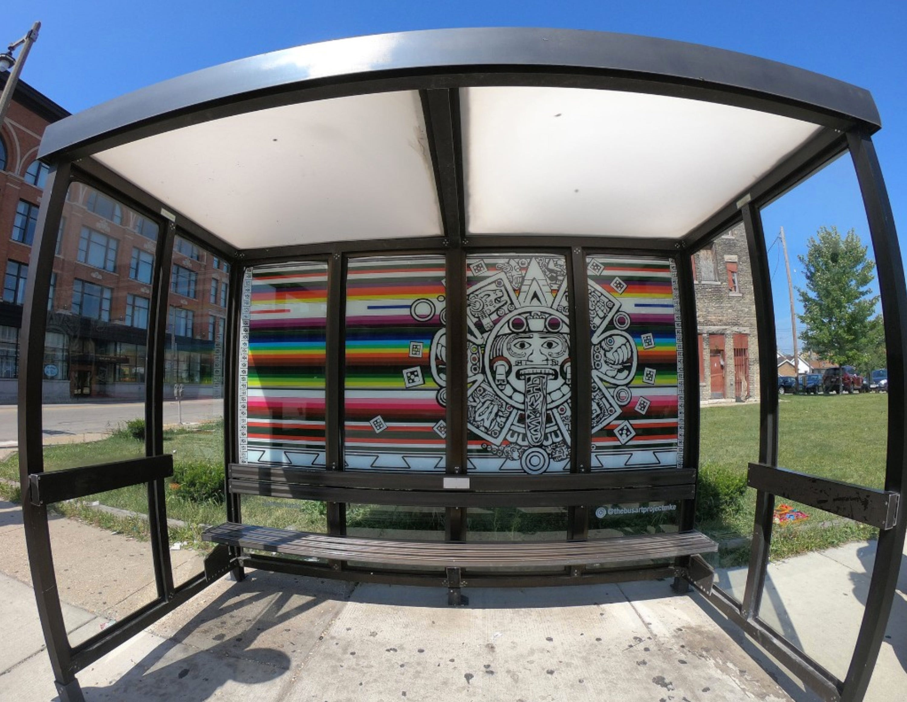 Video captures thief stealing artwork from Walker's Point bus shelter -- then using a bus to get away | Milwaukee Journal Sentinel