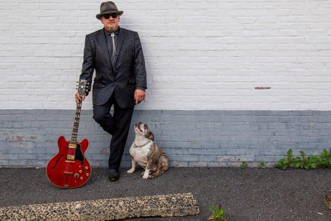 "The Bob Lanza Blues Band celebrates the release of its new CD, ""Kids, Dogs & Krazy Women"" at the Stanhope House on Saturday, September 29."