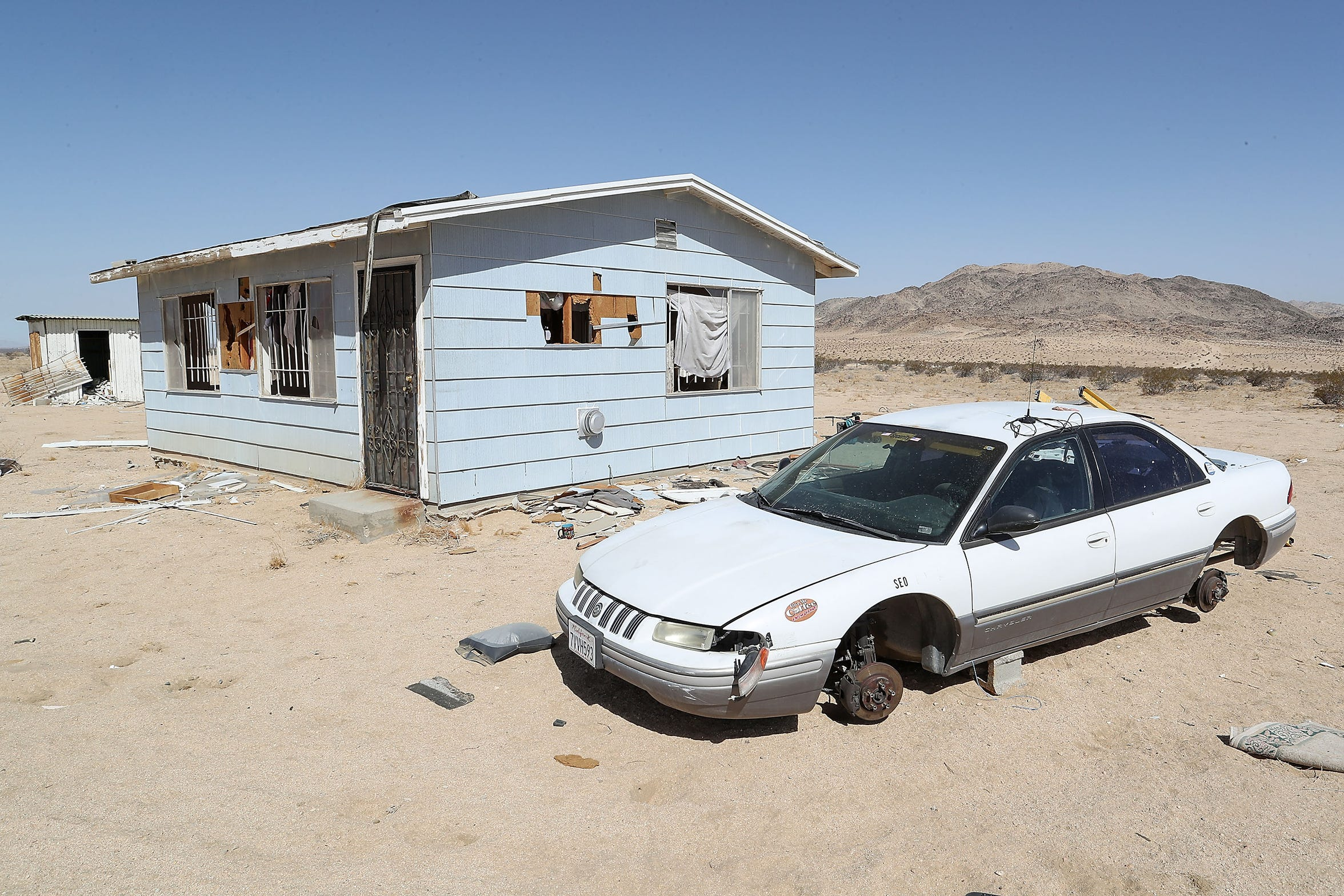Paul and Misty Warfox were living in this remote abandoned home on Boone Rd in Landers, California when one of their children died under suspicious circumstances.