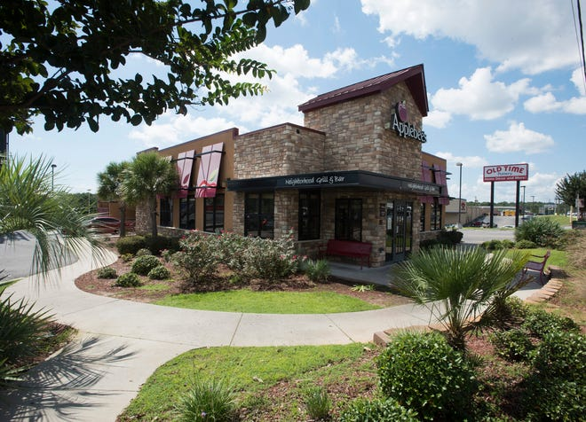 The Applebee's at the corner of 9th Ave and Bayou Blvd. is closed for business as of Sept. 21, 2018.
