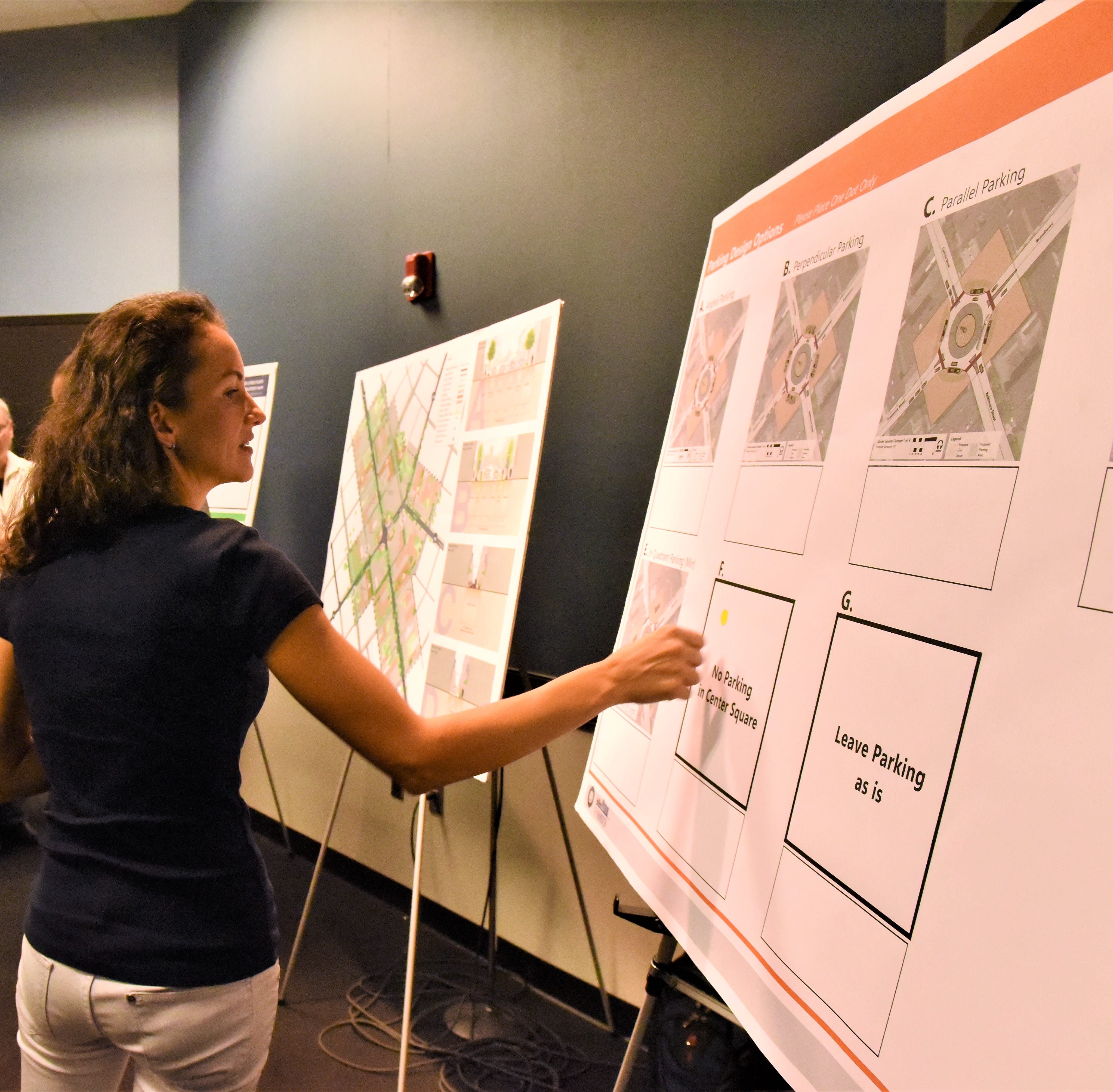 Streetscape meeting: Design options presented for parking, Center Square and more