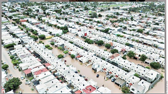 La depresión tropical 19-E ubicada en el Pacífico provocó severas inundaciones en Sinaloa. El Instituto Estatal de Protección Civil informó que 62 comunidades y colonias de seis municipios del Estado se vieron afectadas por las intensas lluvias.