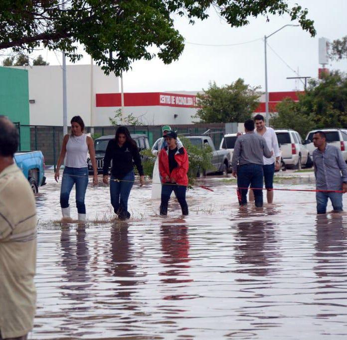 Intensas lluvias provocan severas inundaciones en Sinaloa