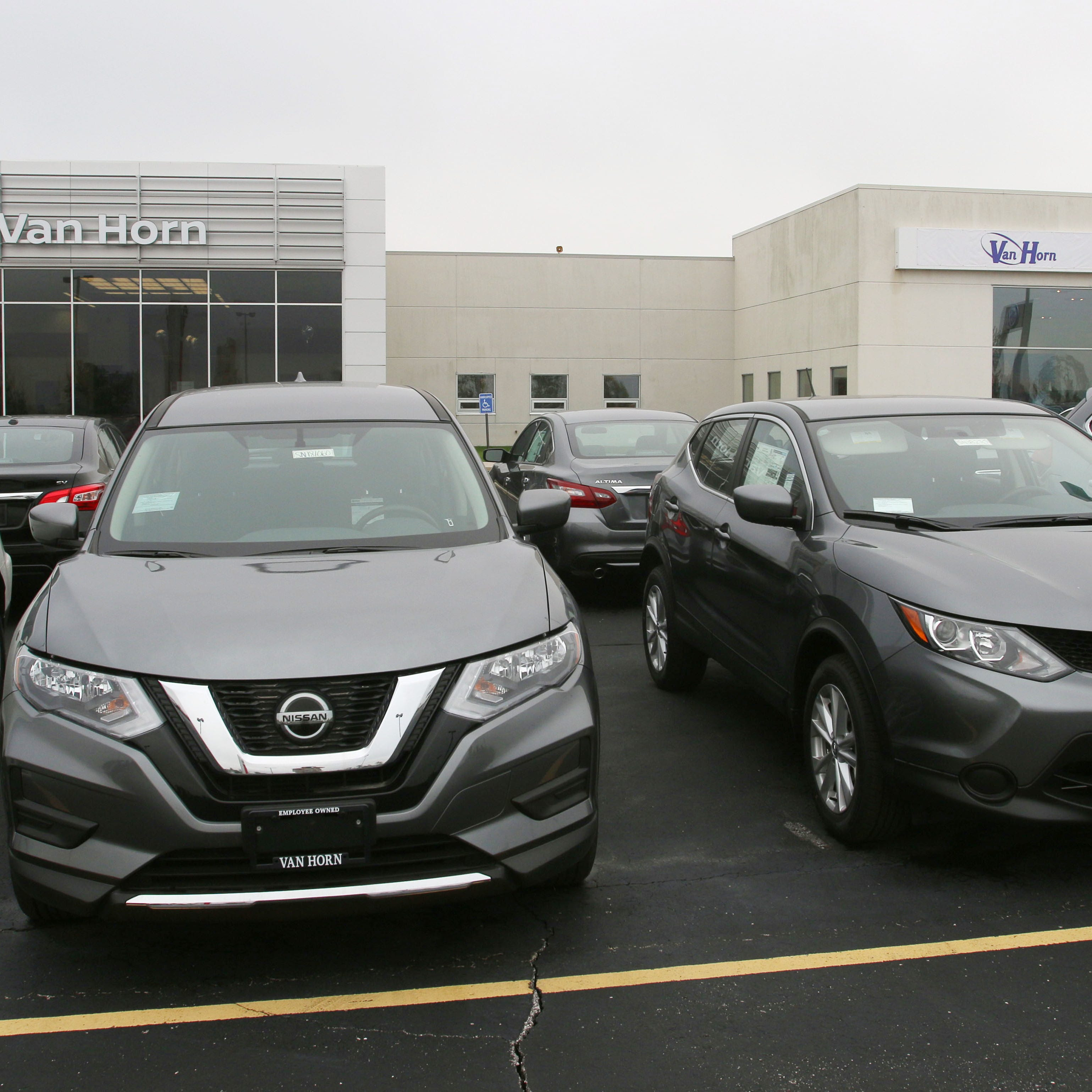 Sheboygan Van Horn buys Russ Darrow Nissan, Volkswagen dealerships