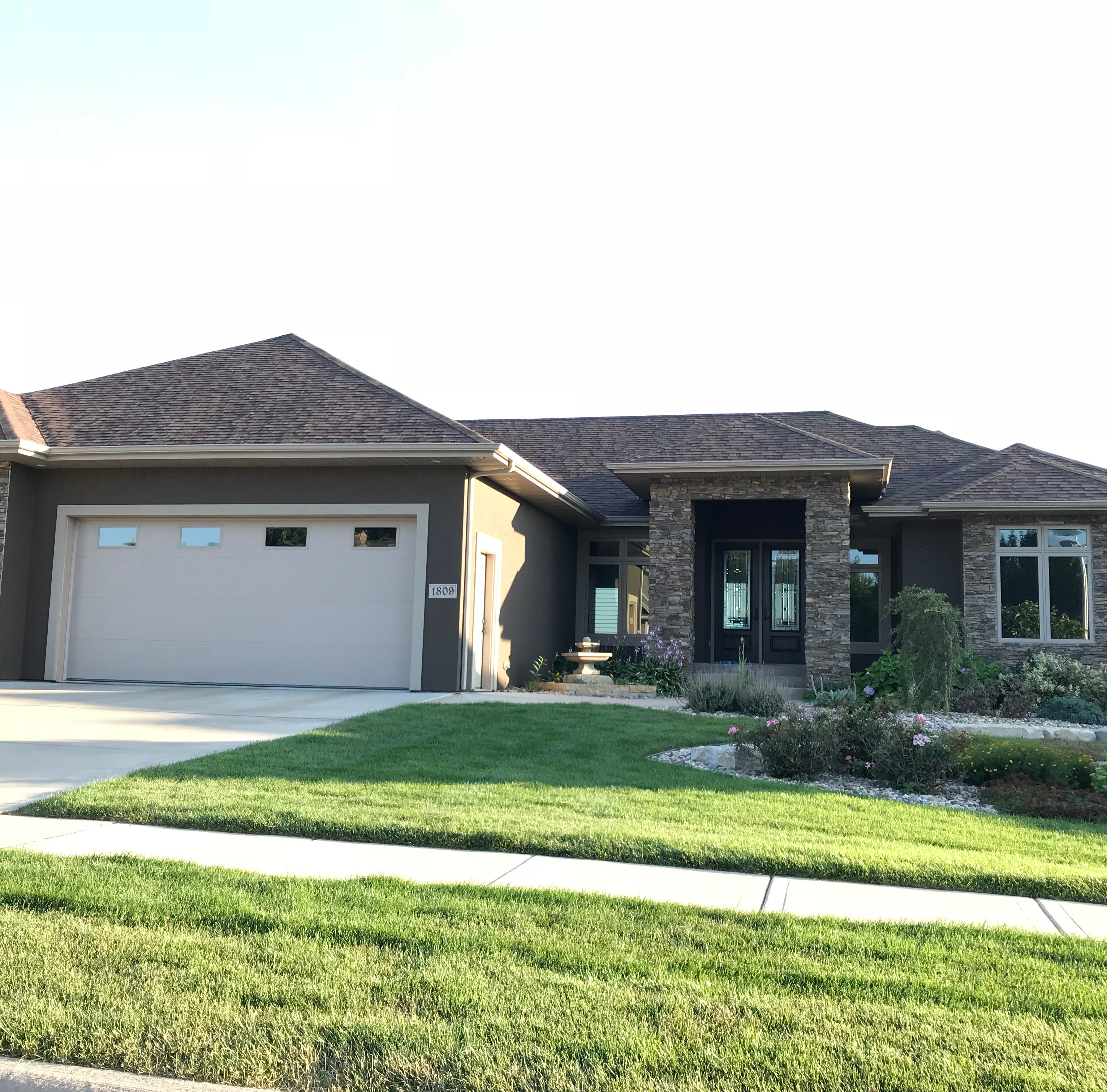 $670,000 east-side Sioux Falls home with greenway view tops home sales report