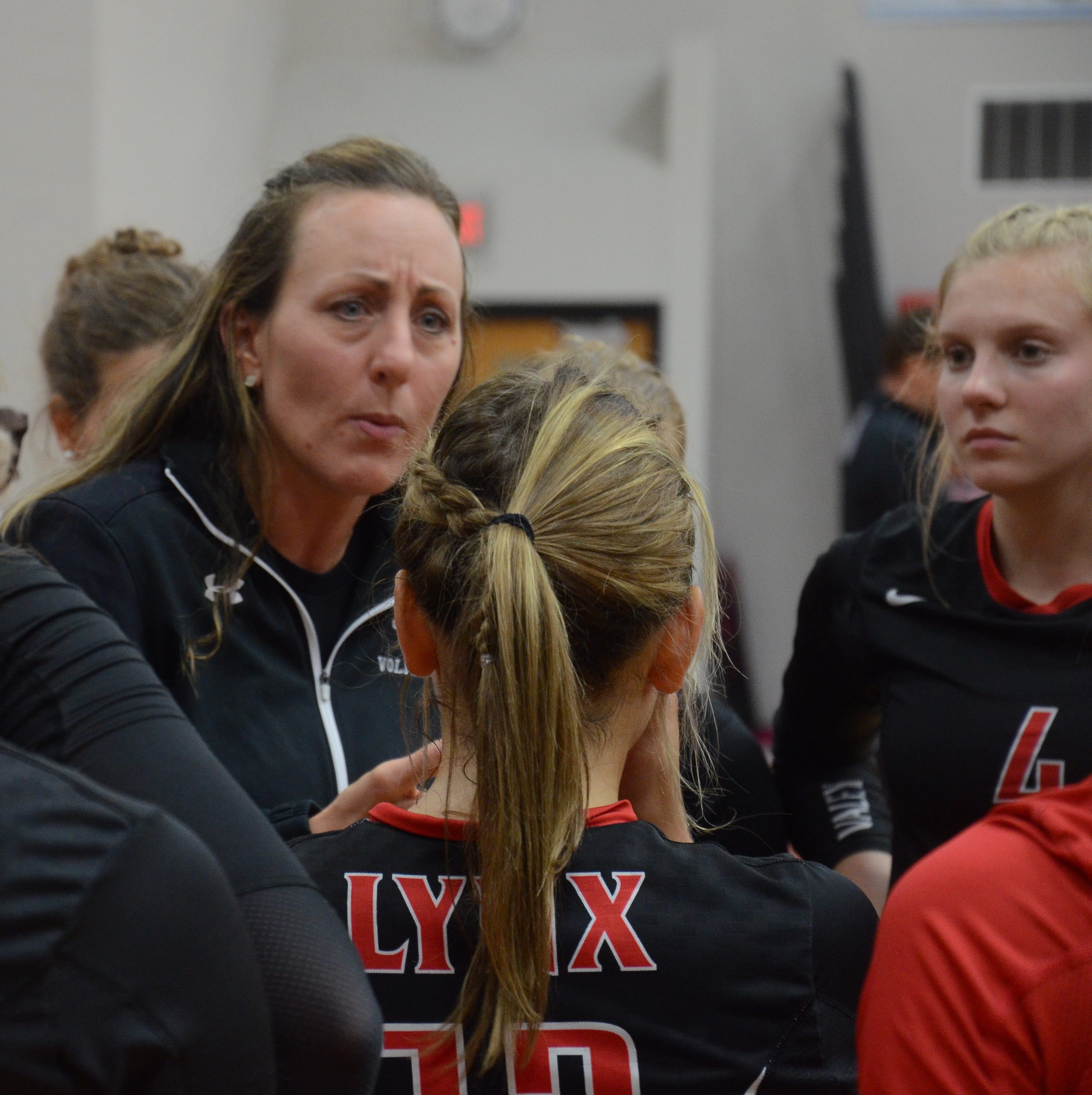 Huron shuts down volleyball team's state tournament hopes