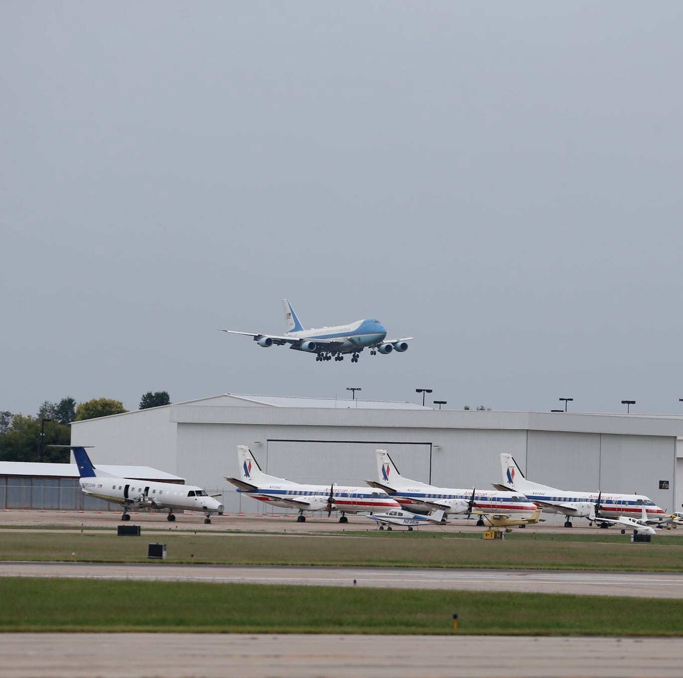 Trump touches down at Springfield airport