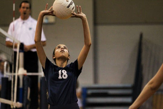 Maclay's Rachel Bethke sets a ball as Aucilla Christian plays at Maclay in a high school volleyball game on Thursday, Sept. 20, 2018.