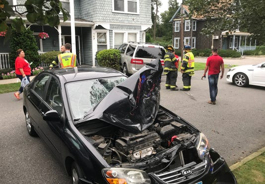 Car Crashes Into Hawthorne Building