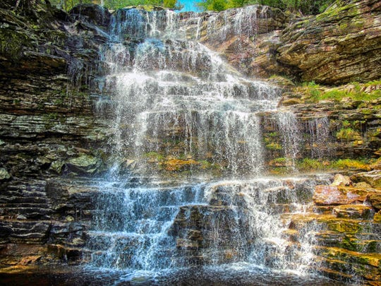 Explore the beauty of several Swanangunks waterfalls that are clustered together. Awosting Falls is well known, but close by are two lesser known falls including Sheldons Falls.