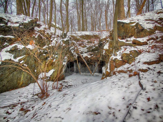 Barnes Mine is located on the southern slope of Pole Brook Mountain in Harriman State Park.