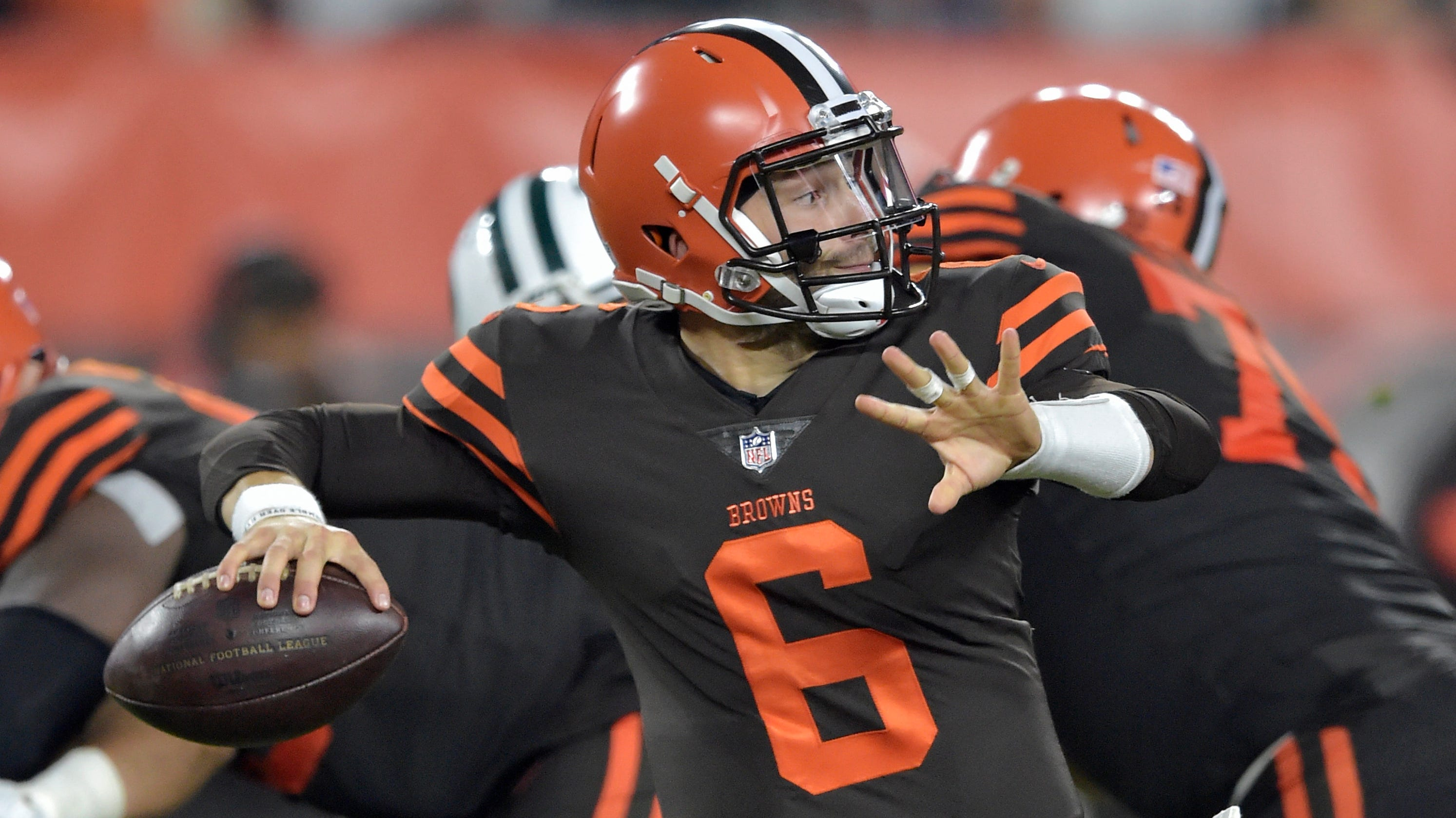 Baker Mayfield makes NFL debut vs. Jets after starter Tyrod Taylor removed  from game aae496044