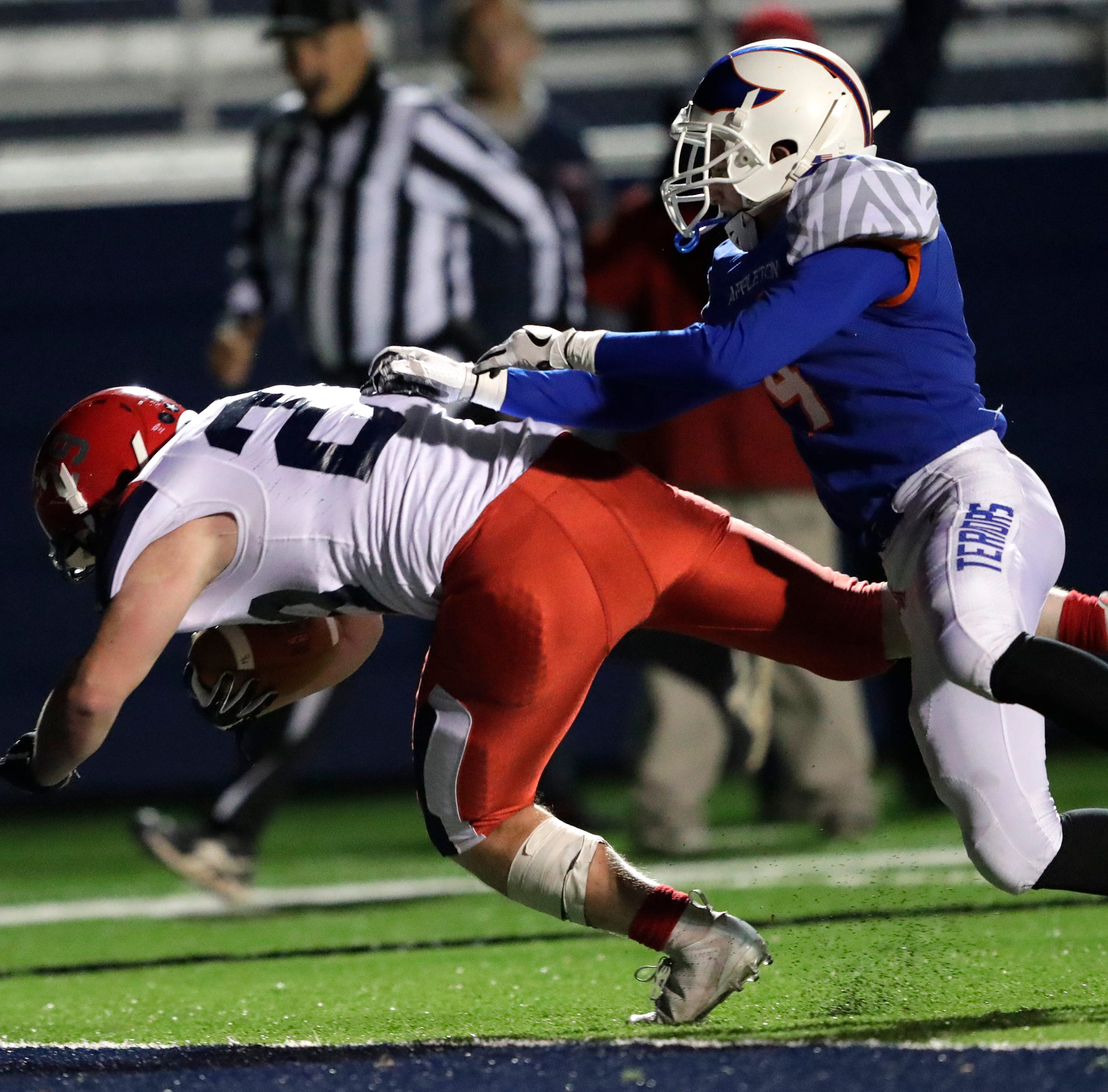 High school football: Appleton East edges Appleton West in two overtimes