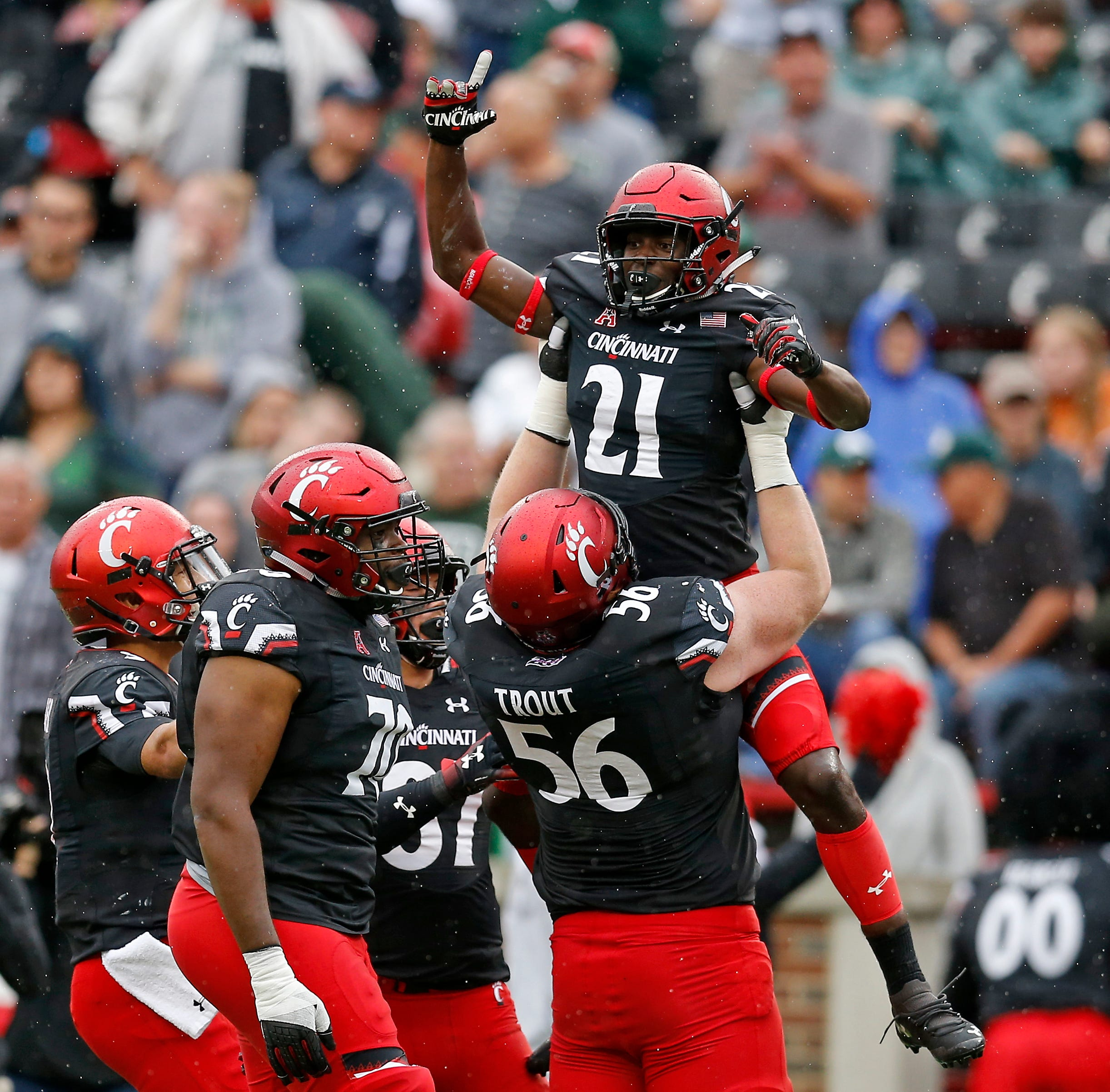 Bowl projections: Cincinnati Bearcats to Military Bowl against NC State on New Year's Eve