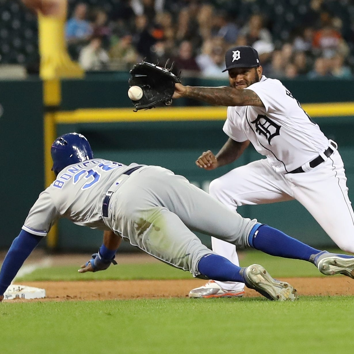 Tigers contribute to own demise with 'bad baseball'