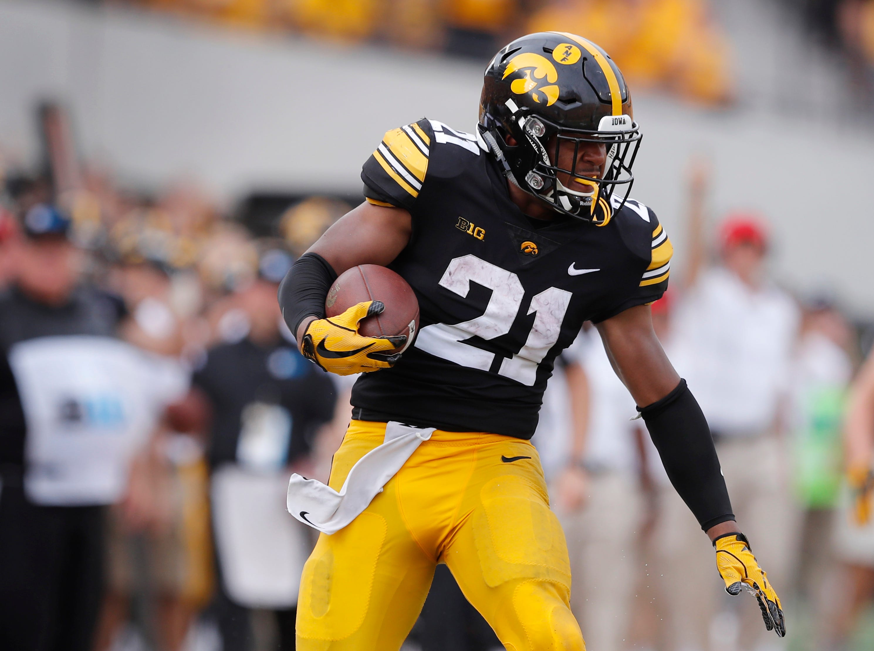 Ivory Kelly-Martin is one of three injured Hawkeyes who are back active against Wisconsin.