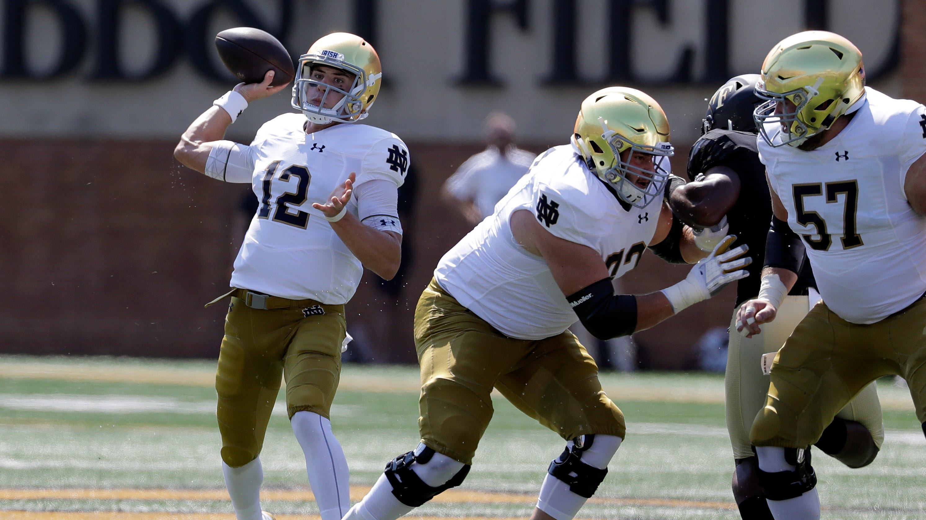 56f6b5ff2 Notre Dame football  Brian Kelly switch to Ian Book proves right call