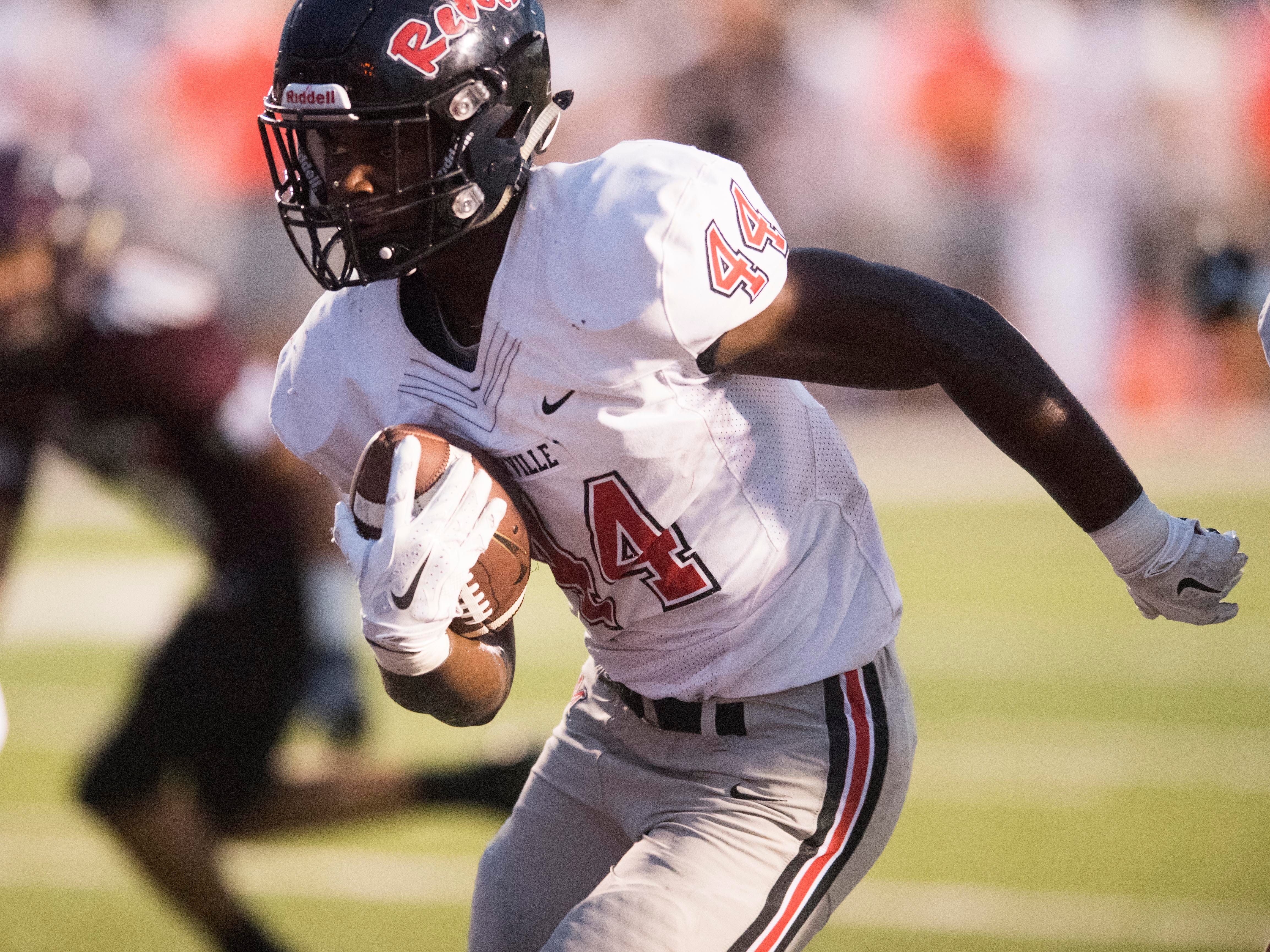 Maryville's Tee Hodge (44) scores a touchdown in the football game against Fulton on Friday, September 21, 2018.