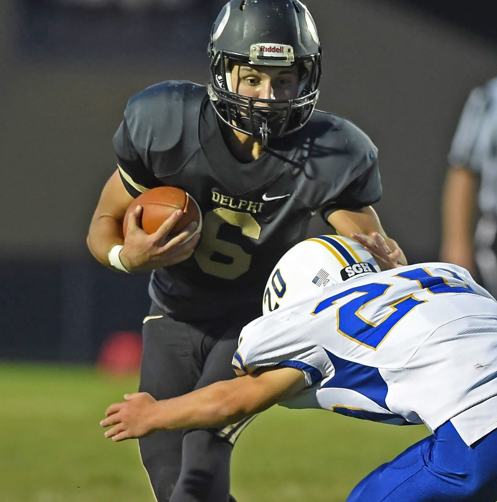 Seth Waters' 5 TD passes  helps Delphi extend unbeaten run
