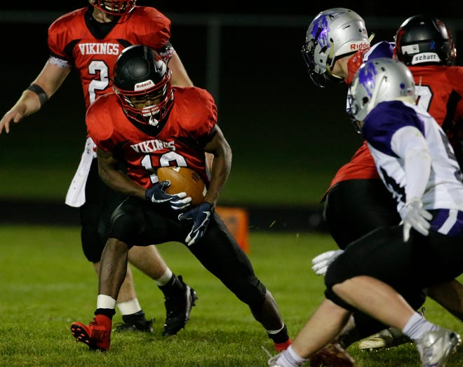 Valders' Michael Gesese-Elsenpeter runs against Kiel during an Eastern Wisconsin Conference matchup Sept. 21 at Valders.