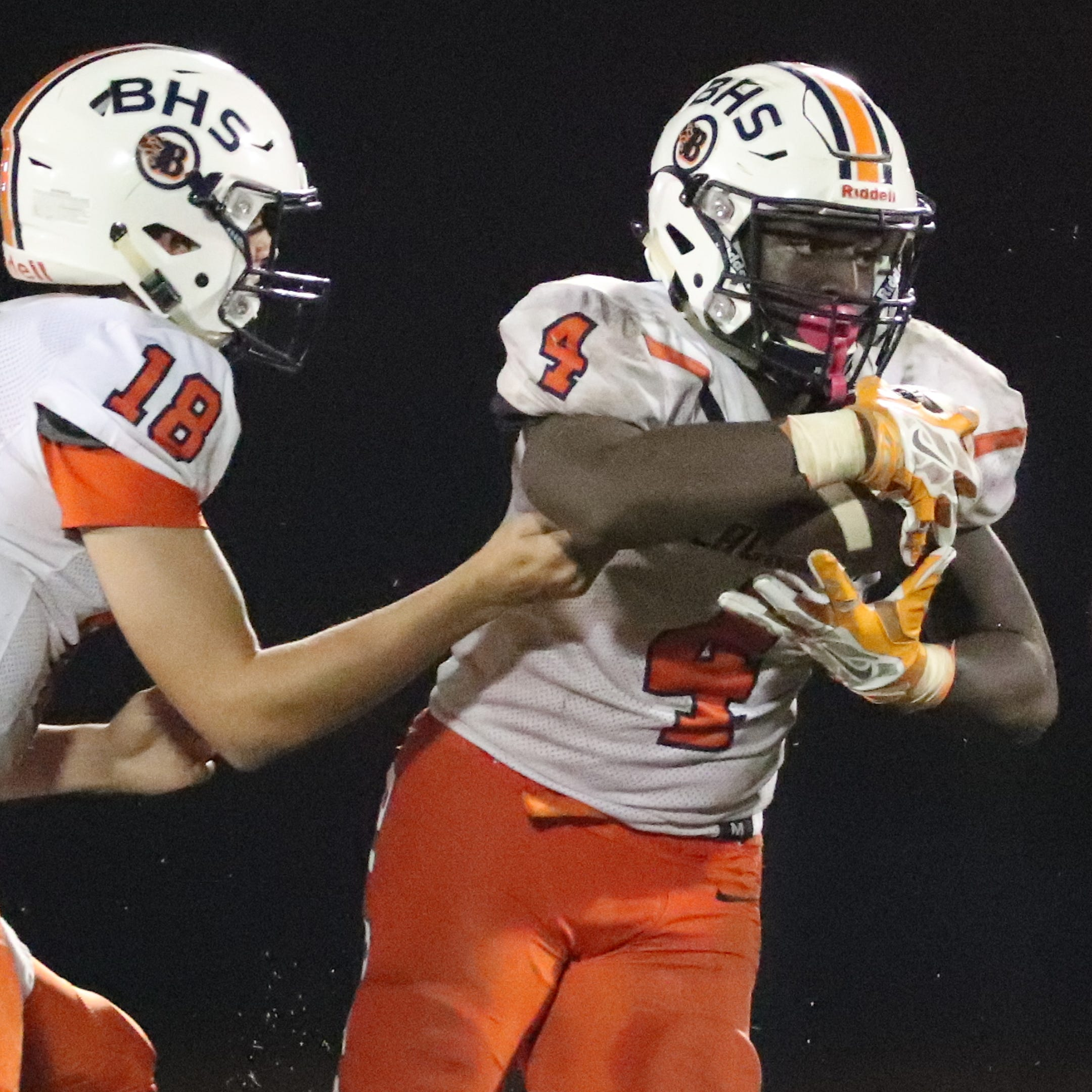 Watch, then vote for the top Nashville area high school football play from Week 6