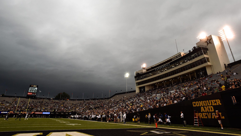 058597a1 Vanderbilt stadium survey: Fans embarrassed and uncomfortable