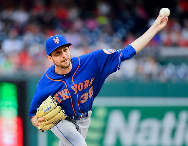 New York Mets relief pitcher Jerry Blevins (39) throws to the Washington Nationals during the sixth inning at Nationals Park.