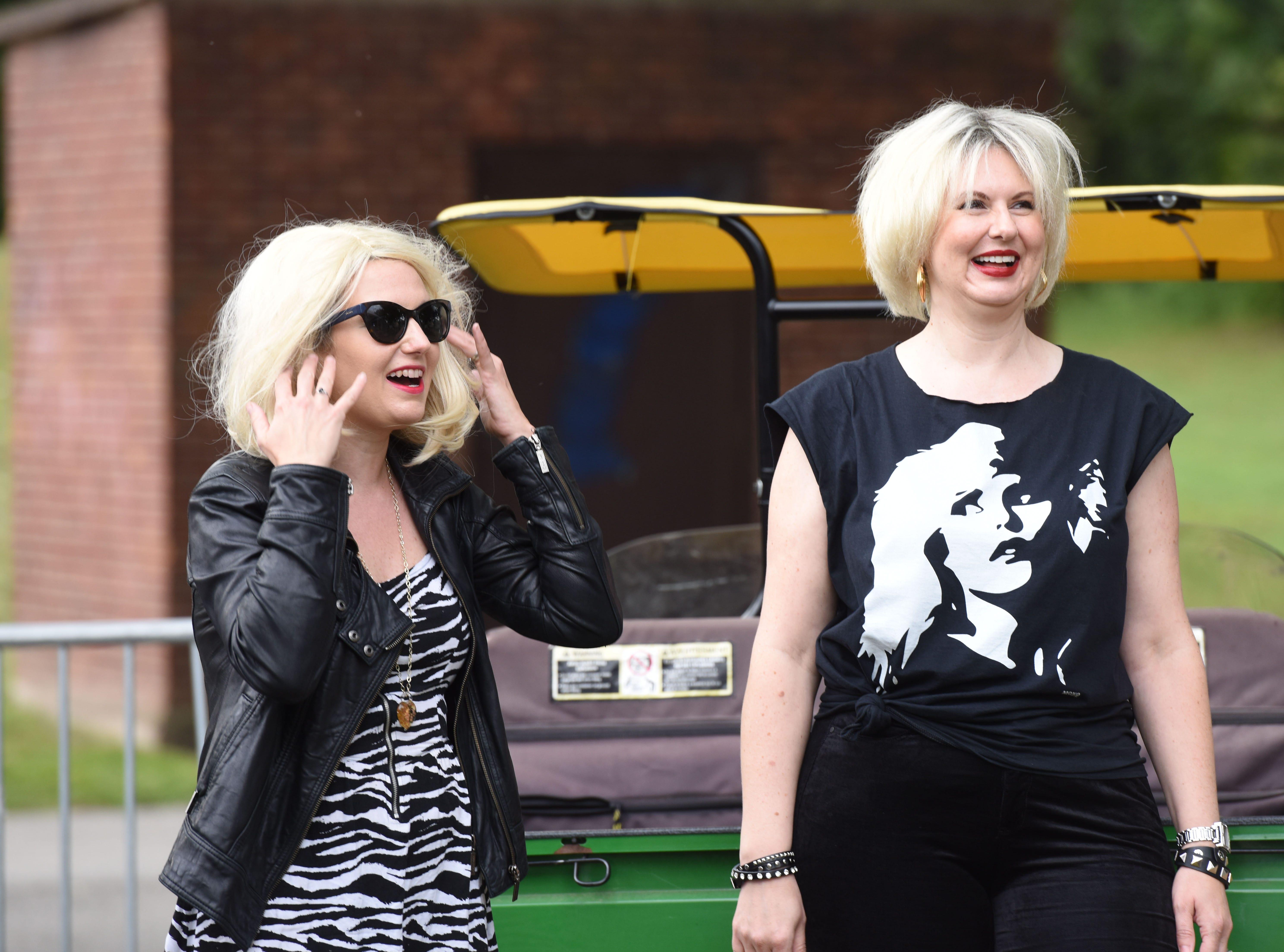 the two Blondie Lookalike contestants Adrienne Girard and Amber MackeyHawthorne Day -Blondie Lookalike